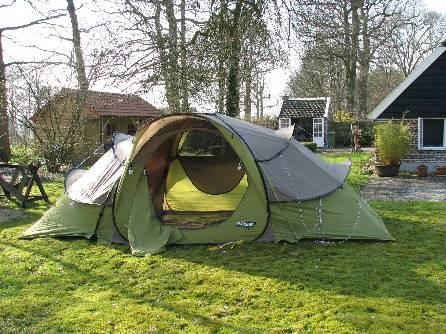 FOK.nl / Reviews / Lifestyle: Quechua 2 Seconds Base 4.2 tent