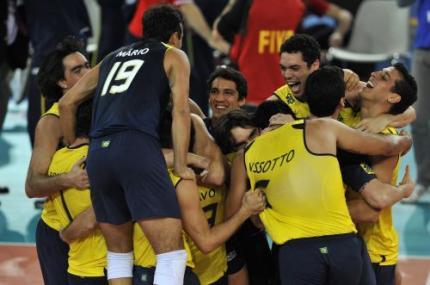 Braziliaanse volleyballers prolongeren titel