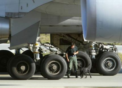 Onderzoek naar explosieven in vliegtuigen