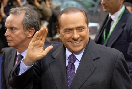 Berlusconi is blij dat hij geen homo is