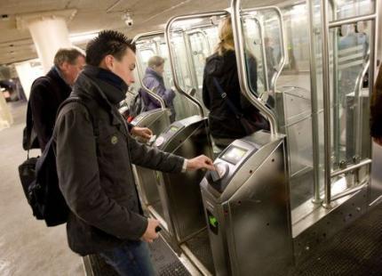 Minder treinstations met ov-poortjes