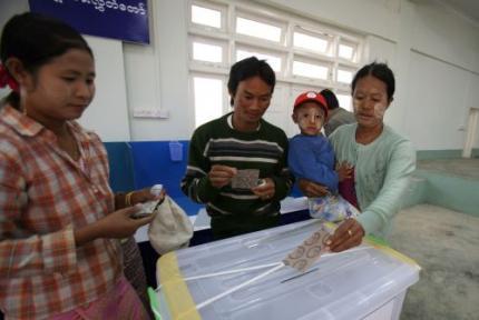 Myanmar na twintig jaar weer naar de stembus
