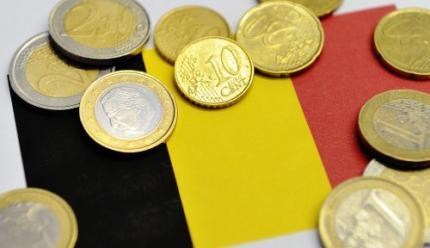 lenen Knielen voor een grote Duitse lul