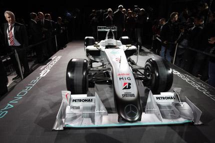 Livery Mercedes GP van voren