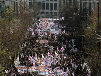 Politie Athene slaags met betogers