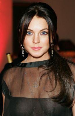 Lindsay wil honderd miljoen schadevergoeding