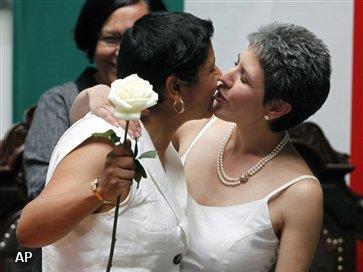 Homostellen trouwen in Mexico-stad