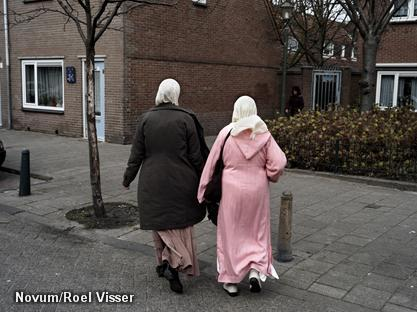 'PVV-achterban verdeeld over hoofddoek'