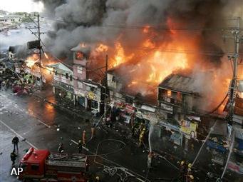 Grote brand in sloppenwijk Manilla
