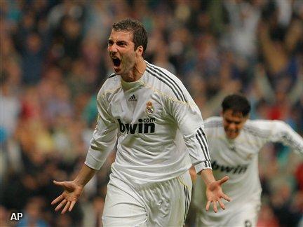 Higuaín drie jaar langer bij Real Madrid