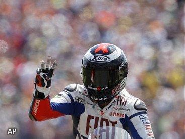 Lorenzo oppermachtig in 80e TT van Assen