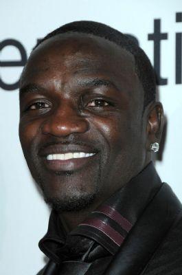 Akon geeft kopiëren Nederlands nummer toe