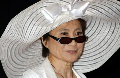 Yoko Ono: moordenaar Lennon mag niet vrij