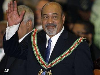 Desi Bouterse beëdigd als president van Suriname