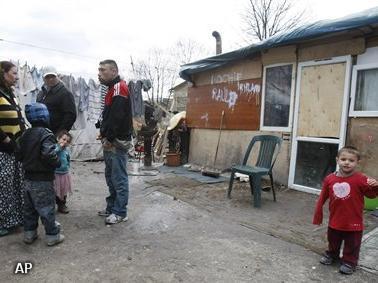 Franse politie ontruimt veertig Roma-kampen