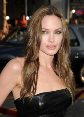 Biografie Angelina Jolie is bestseller