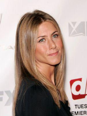 Jennifer Aniston geeft striptease weg op filmset
