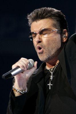 George Michael reed met joint achter de kiezen