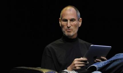 Apple-topman verdient nog altijd 1 dollar