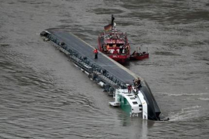Bemanning gekapseisd schip vrijwel zeker dood