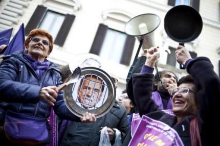 'Mubarak is weg - nu Berlusconi nog'