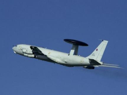 NAVO's AWACS controleren luchtruim Libië