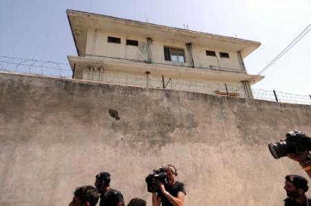 Politie sluit omgeving huis Bin Laden af