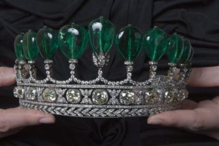 's Werelds duurste tiara brengt 8 miljoen op