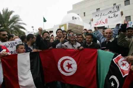 VN: 300 doden door opstand Tunesië in januari