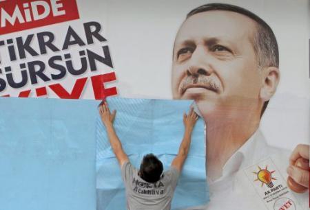 Stembussen Turkije open