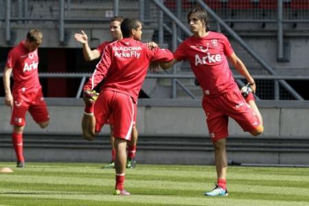 FC Twente op eerste training nog zonder coach