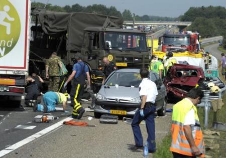 Dode en 15 gewonden door ongeval A2 bij Budel