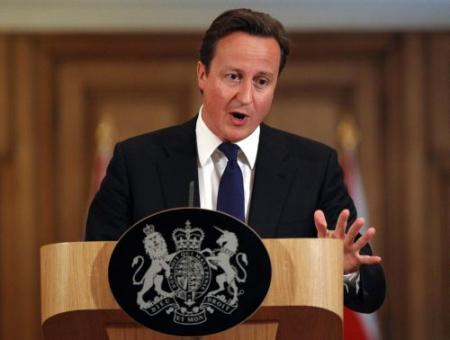 Cameron terug voor debat mediaschandaal