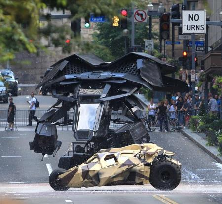 The Dark Knight Rises verschijnt in juli 2012. Check ook het Batman ...