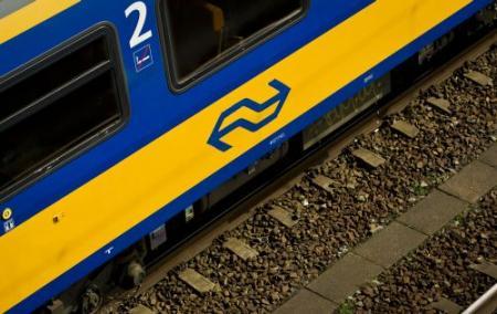 Reizigersorganisatie klaagt bij NMa over NS