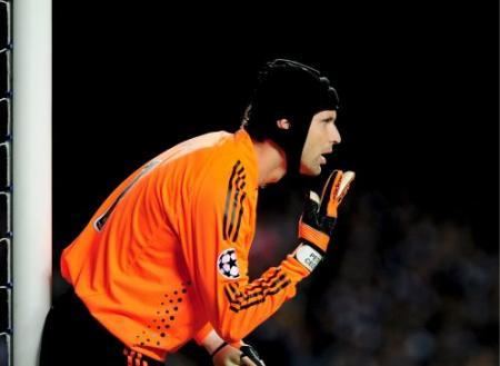 Chelsea-doelman Petr Cech met de schrik vrij