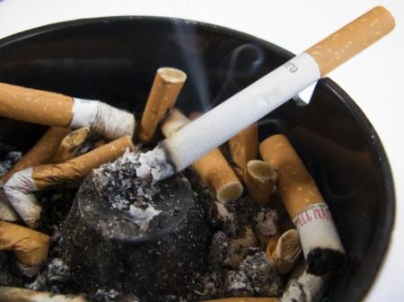 Roken tegen betaling in Griekse horeca