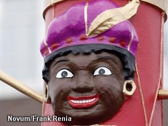 AH: Heus nog wel een enkele Zwarte Piet in de winkel (Foto: Novum)