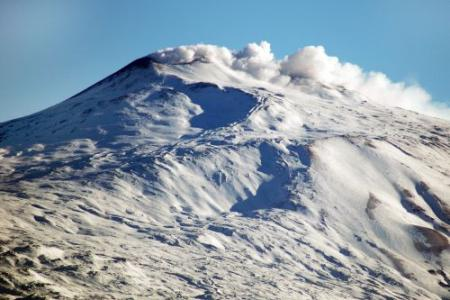 Etna spuwt as en lava