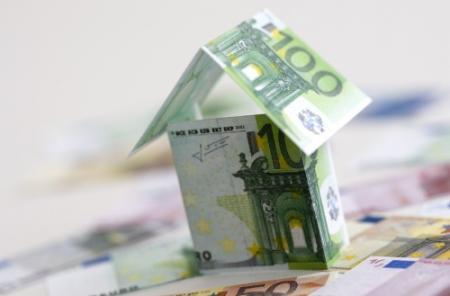 Huizenprijzen ruim 4 procent gedaald in 2011