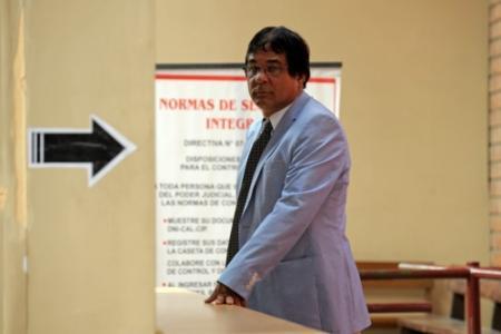 Vader Flores boos op'luxe' detentie Joran