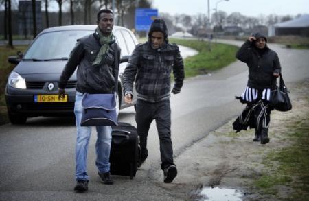 Opnieuw minder asielzoekers naar Nederland