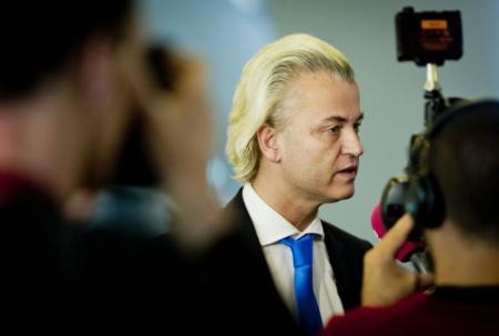 Wilders wil uitleg Duitsland over brochure