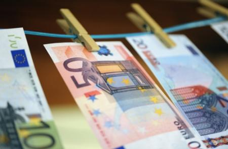 Nederlanders lenen meer en vooral duurder