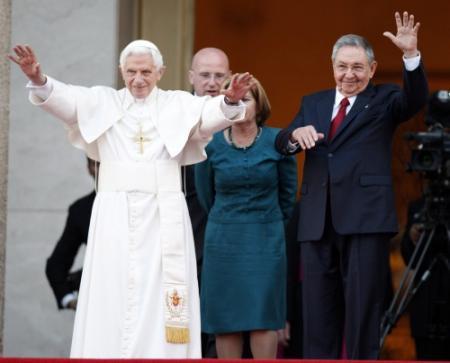 Paus ontmoet Fidel Castro
