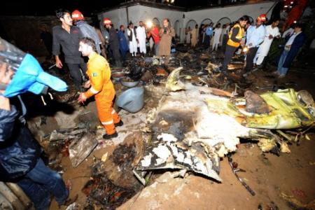 Veel doden bij vliegtuigcrash Pakistan