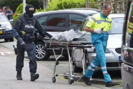 Verdachte drievoudige moord overleden