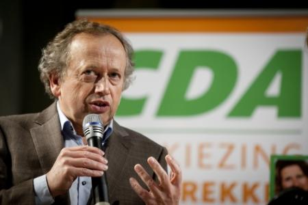 VVD daalt in peiling, CDA stijgt