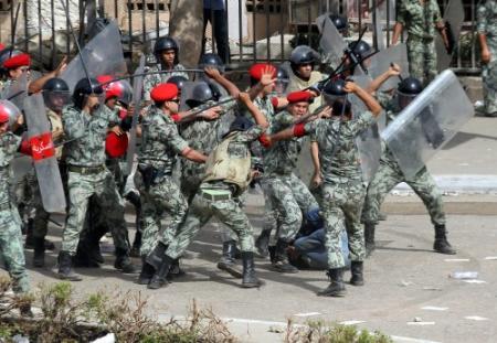 Leger Egypte mag burgers arresteren