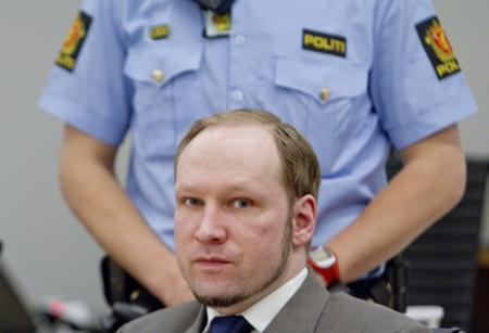 Rechtbank verbiedt nieuws over moeder Breivik